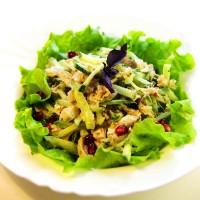 Салат из курицы с грецким орехом